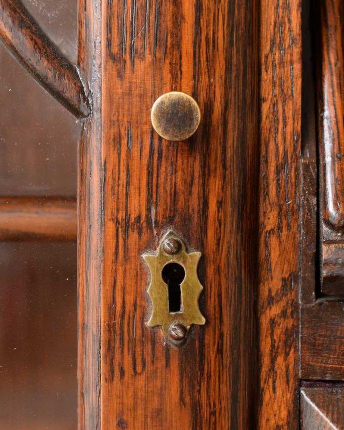 q-1657-f アンティークサイドバイサイドの扉の取っ手・鍵