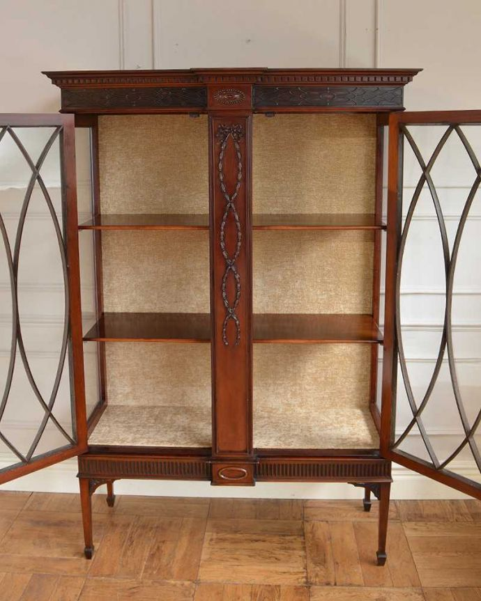 q-1677-f アンティークキャビネットの扉内部 木製棚板