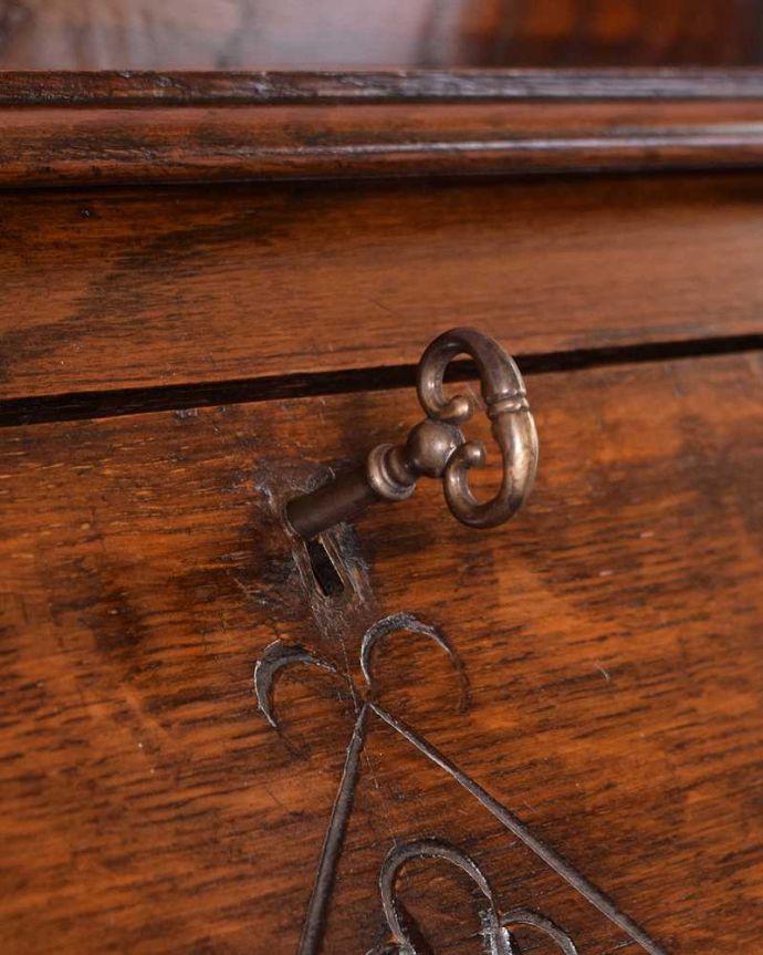 q-1684-f アンティークビューローの鍵