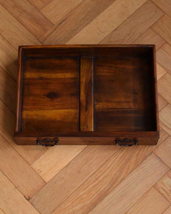 アンティークのキャビネット アンティーク家具 英国で見つけた珍しいサイドキャビネット、どこにでも置けるコンパクトなアンティーク家具。キレイに修復しました。(q-1696-f)