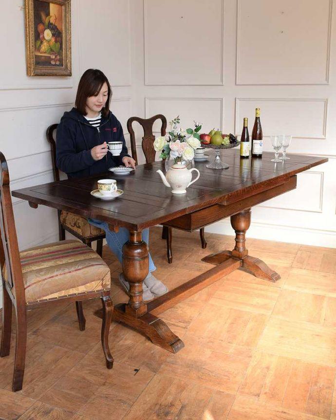 q-1742-f アンティークドローリーフテーブルのモデル入り