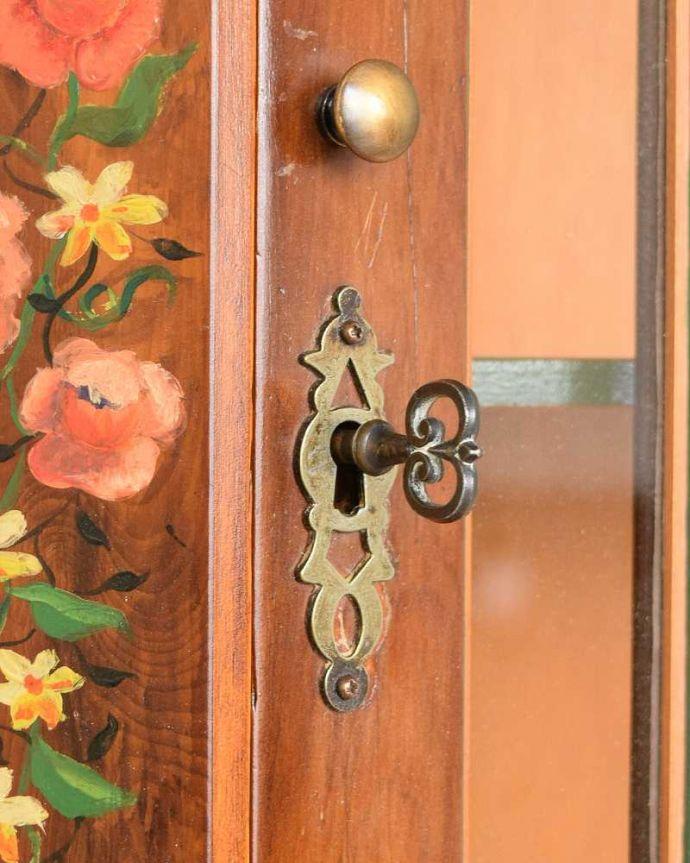 q-1772-f アンティークガラスキャビネットの鍵穴