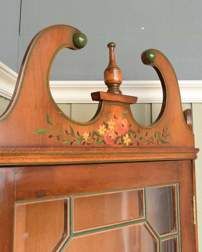 q-1772-f アンティークキャビネットの装飾2