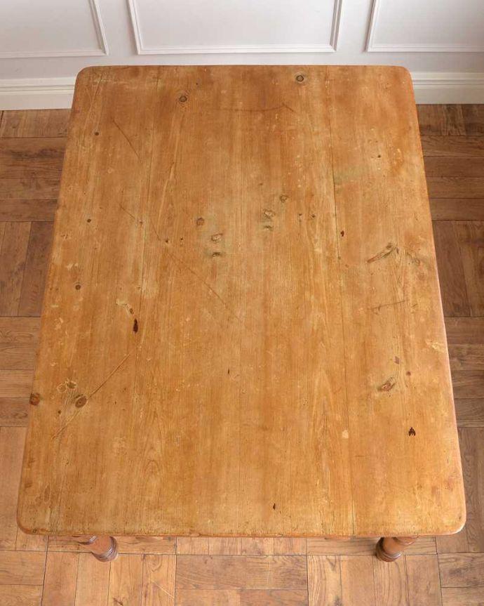 アンティークのテーブル アンティーク家具 パイン材のアンティーク家具、引き出し付きダイニングテーブル。天板はキレイに修復しました。(q-1781-f)