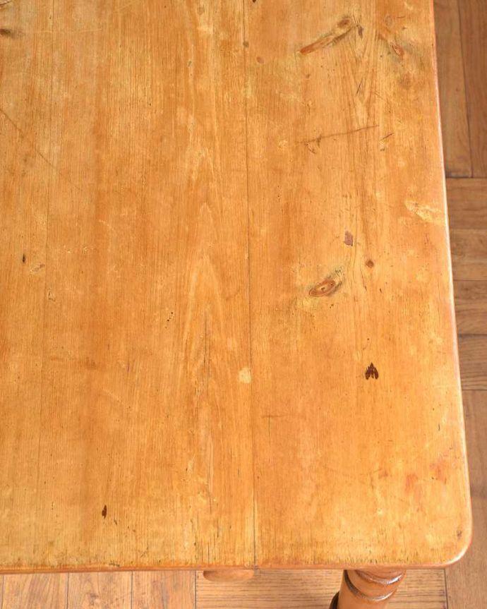 アンティークのテーブル アンティーク家具 パイン材のアンティーク家具、引き出し付きダイニングテーブル。オールドパイン材だけが持つ・・・なんとも言えずあたたかい雰囲気。(q-1781-f)