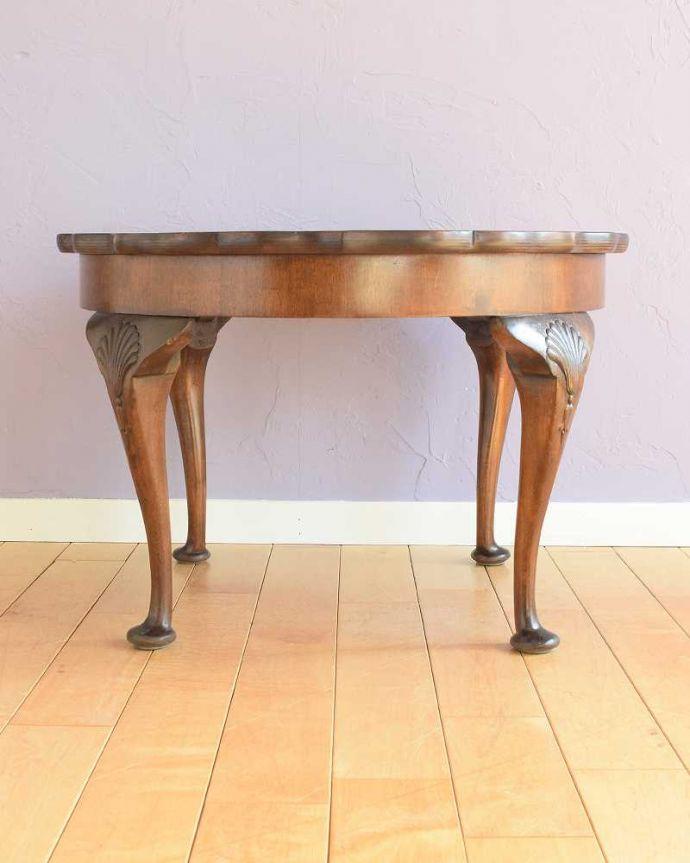 q-1792-f 英国アンティークコーヒーテーブルの横