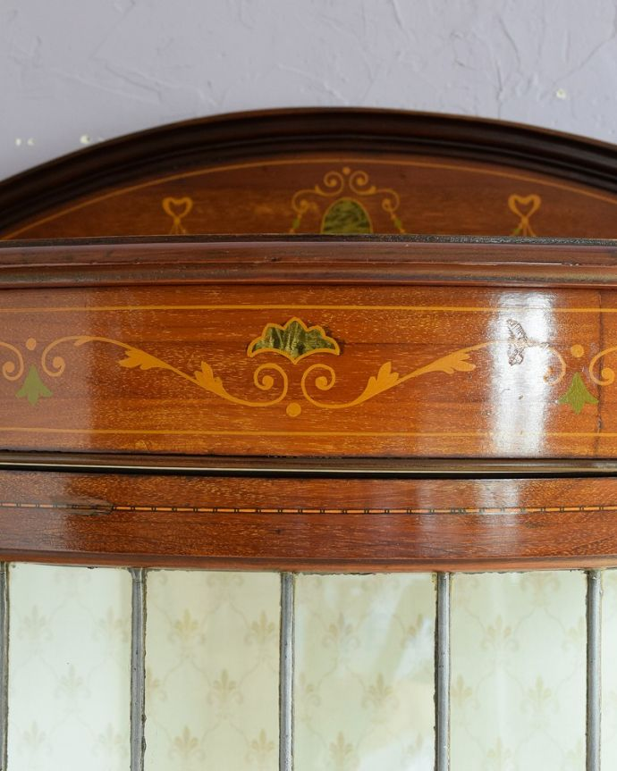 q-1881-f アンティークキャビネットの装飾2