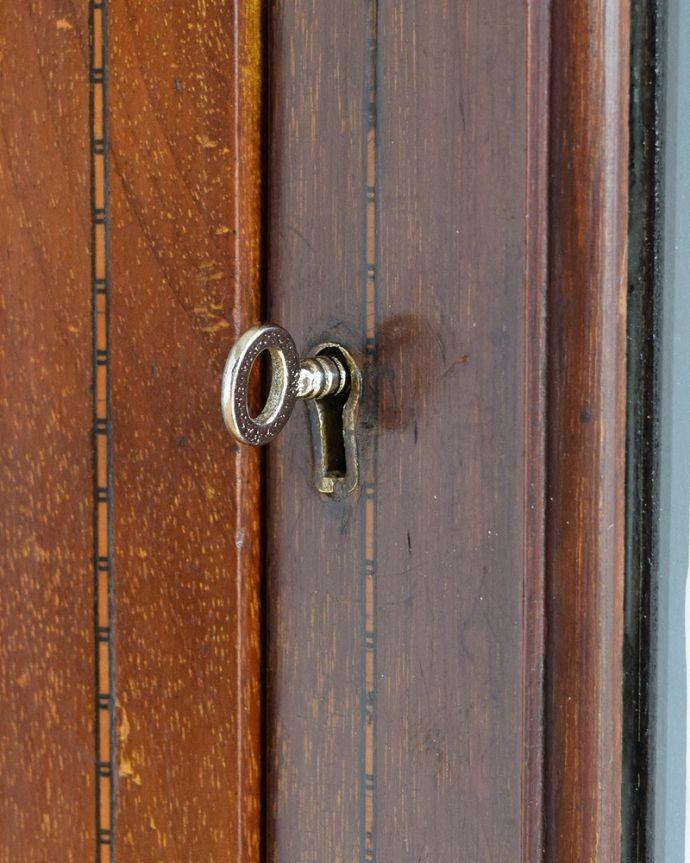 q-1881-f アンティークキャビネットの鍵(取っ手)