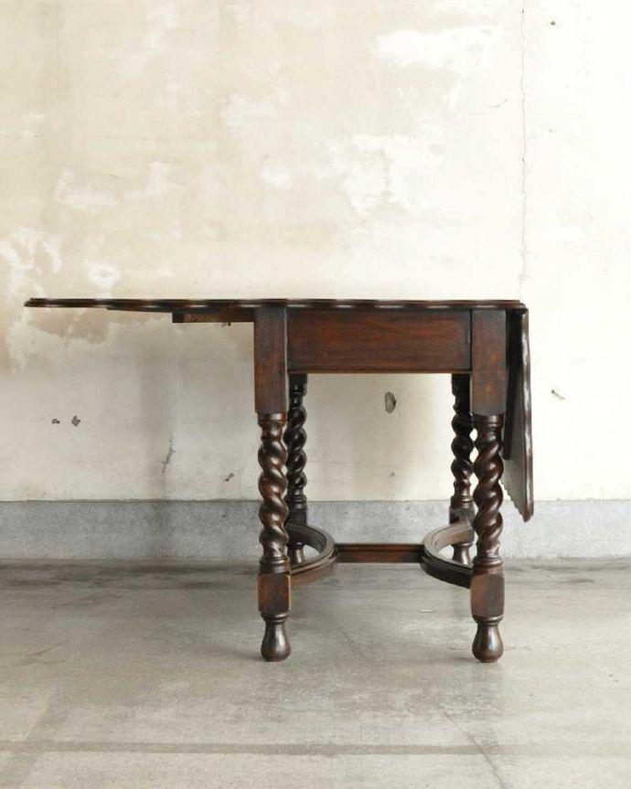 q-1904-f  アンティークゲートレッグテーブルの横(片方とじた状態)