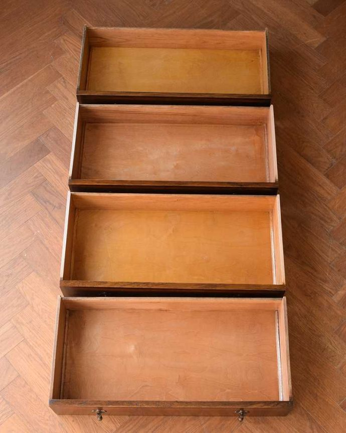 アンティークのチェスト アンティーク家具 英国から届いたアンティーク家具、バチェラーズチェスト(鏡付き)。何を入れても大丈夫。(q-1946-f)