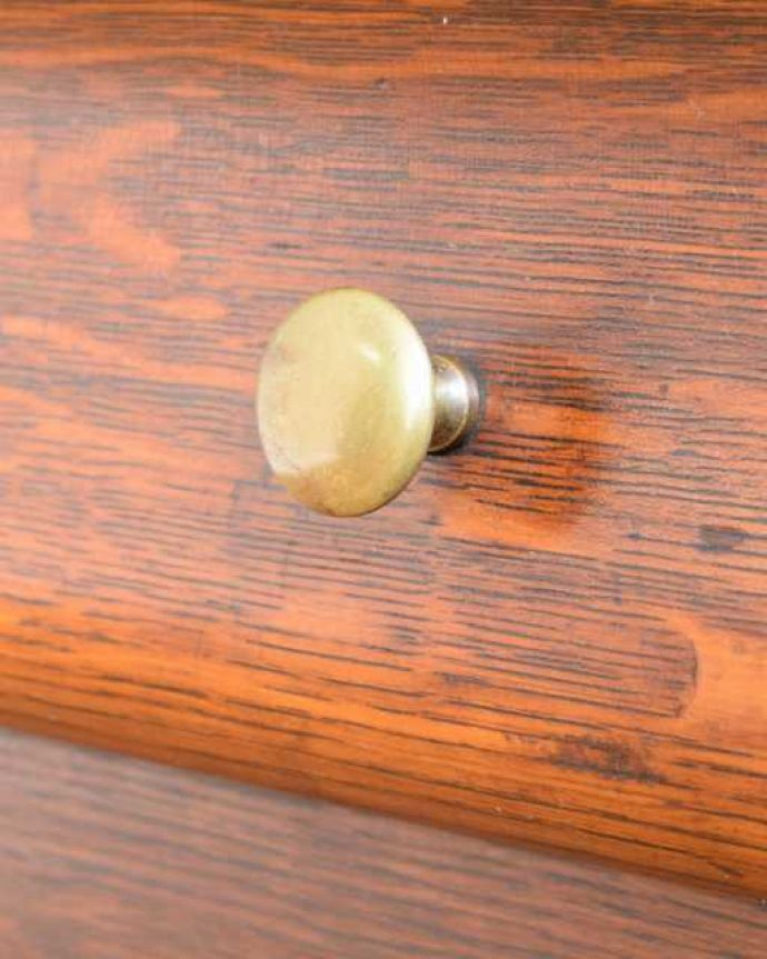 アンティークのキャビネット アンティーク家具 英国アンティークのスタッキングビューローキャビネット(デスク)。開ける度にワクワク・・・取っ手もアンティーク家具らしいデザインです。(q-1993-f)
