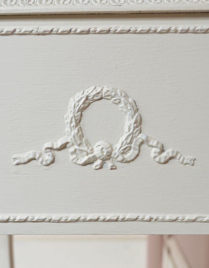 q-202--f-1 アンティークサイドチェスト(ナイトテーブル)の装飾