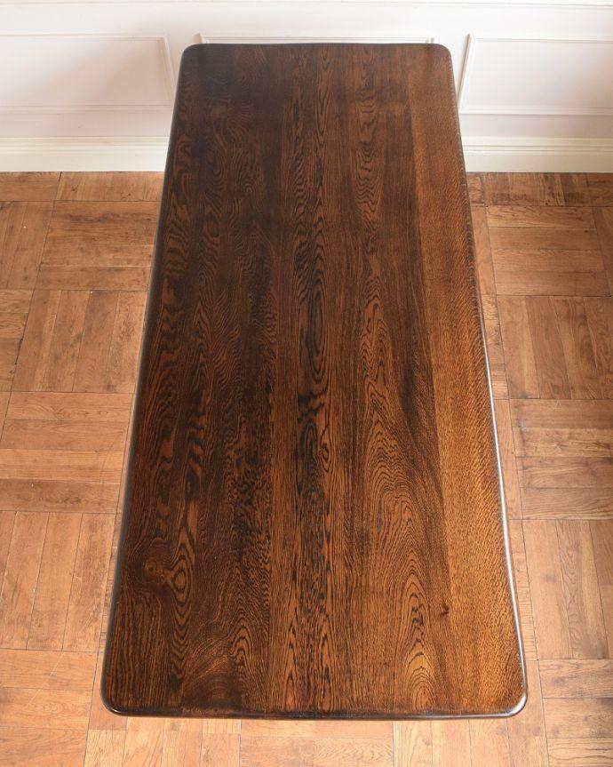 アンティークのテーブル アンティーク家具 英国スタイルの重厚感あふれるアンティークのダイニングテーブル。天板もキレイに修復しましたテーブルの主役はやっぱり天板。(q-2050-f)