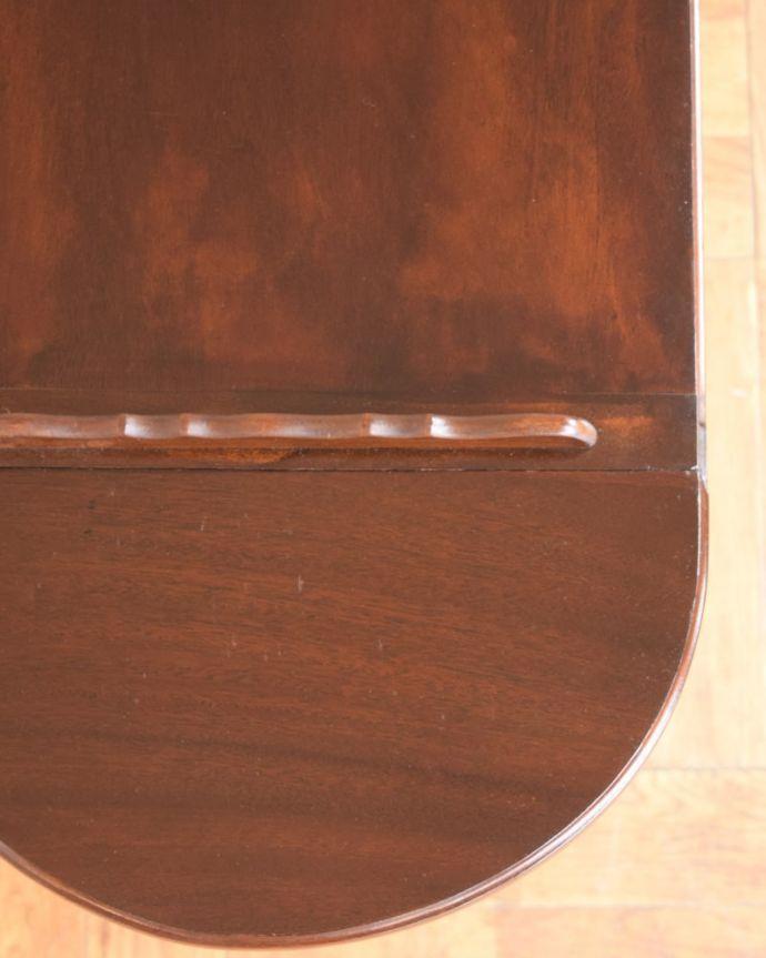アンティーク家具のワゴンの天板ズーム