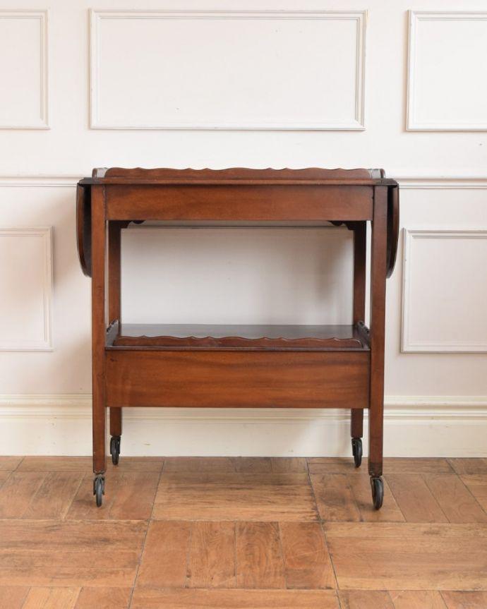 アンティークのワゴン・トローリー アンティーク家具 アンティークワゴン、サイズを変えて便利に使える家具(トロリー)(引き出し付き) 。キッチンだけじゃもったいない!アンティークのワゴンはデザインもキレイなので、キッチン用として使うだけじゃなく、家具としていろいろ使えます。(q-2126-f)