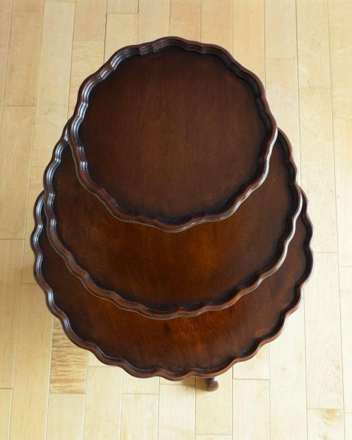 アンティークのテーブル アンティーク家具 ダムウェイターテーブル 天板の形を見てみると・・・テーブルの形を上から見ると、こんな感じです。(q-2252-f)