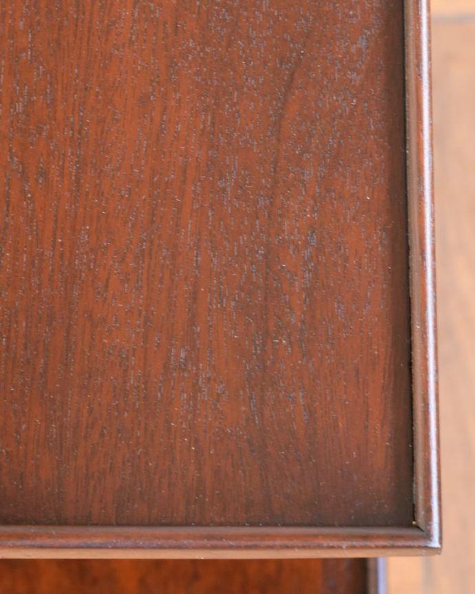 プランツスタンド・ケーキスタンド アンティーク家具 ケーキスタンド 近づいてみると…象嵌が描かれた美しい天板。(q-2267-f)