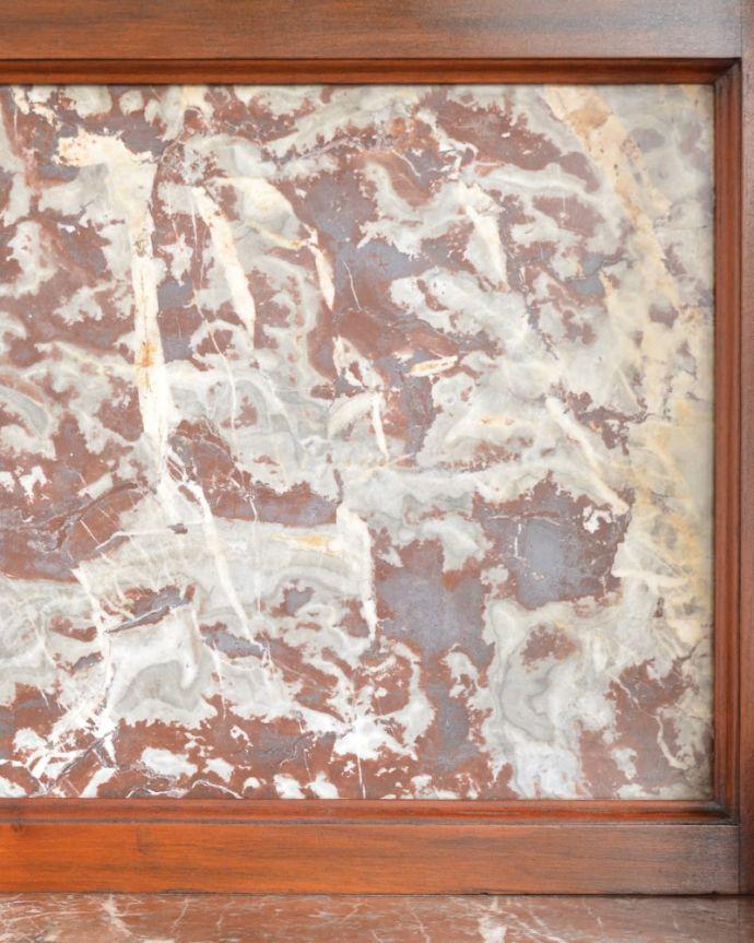 アンティークのキャビネット アンティーク家具 ウォッシュスタンド アンティークだけが持つ独特の風合い美しい模様のアンティークタイルにうっとり・・・年月を経たアンティークタイルだけが持つ魅力を楽しんでください。(q-2307-f)