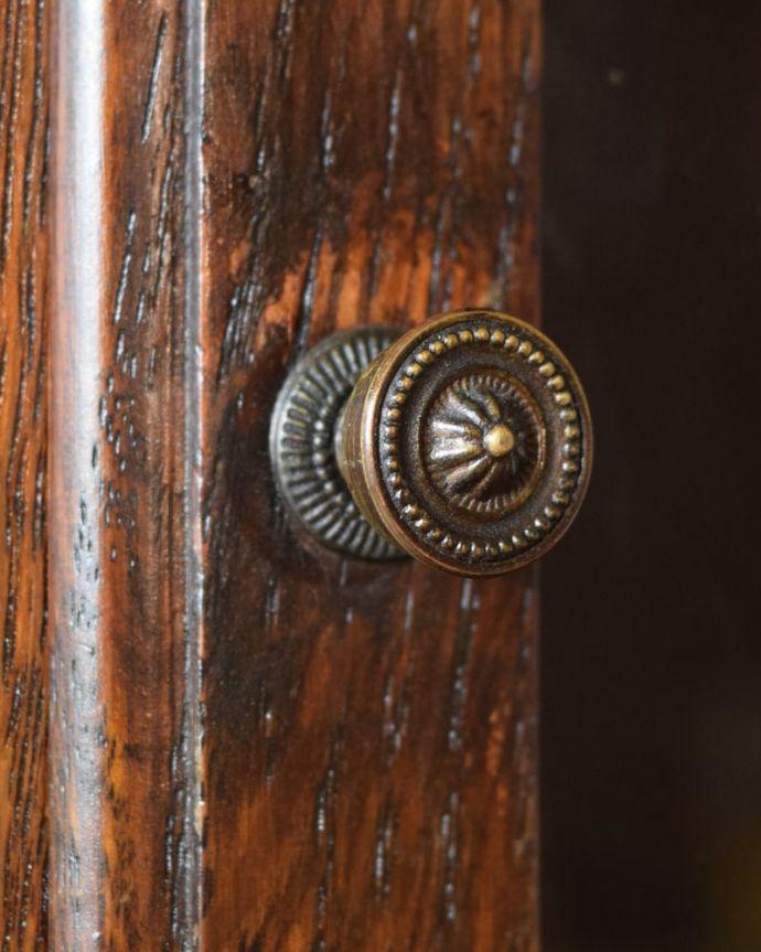アンティークのキャビネット アンティーク家具 スタッキングブックケース 開ける度にワクワク・・・取っ手もアンティーク家具らしいデザインです。(q-2318-f)