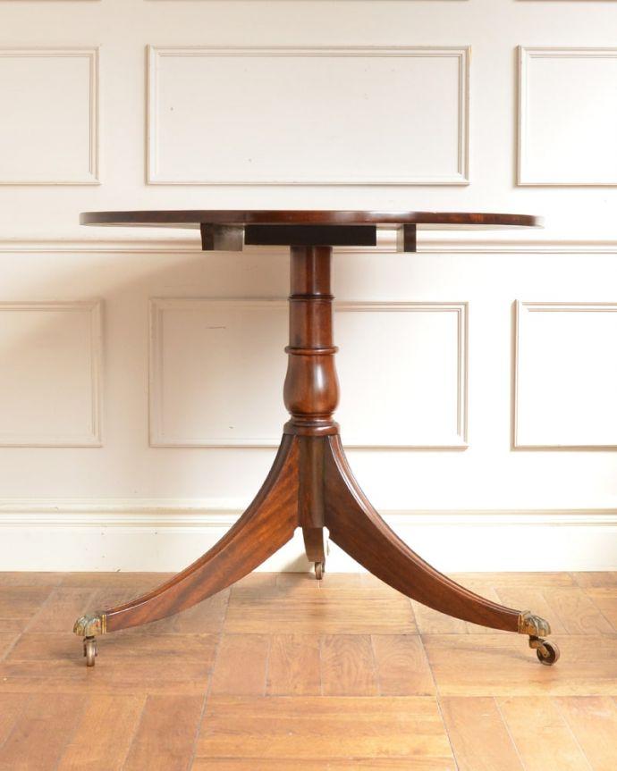 アンティークのテーブル アンティーク家具 ティーテーブル 真横から見ると・・・脚のフォルムも、こんな感じで美しいです。(q-2321-f)