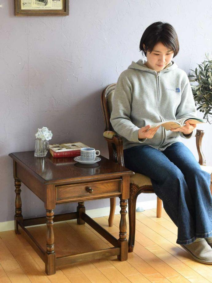 アンティークのコーヒーテーブル