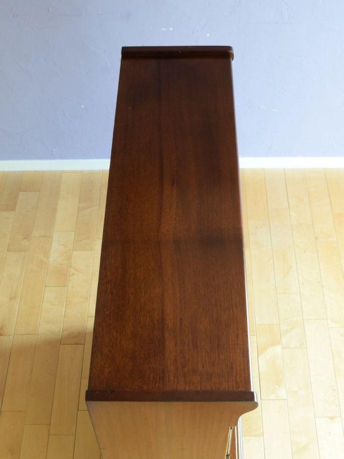 アンティーク家具の形