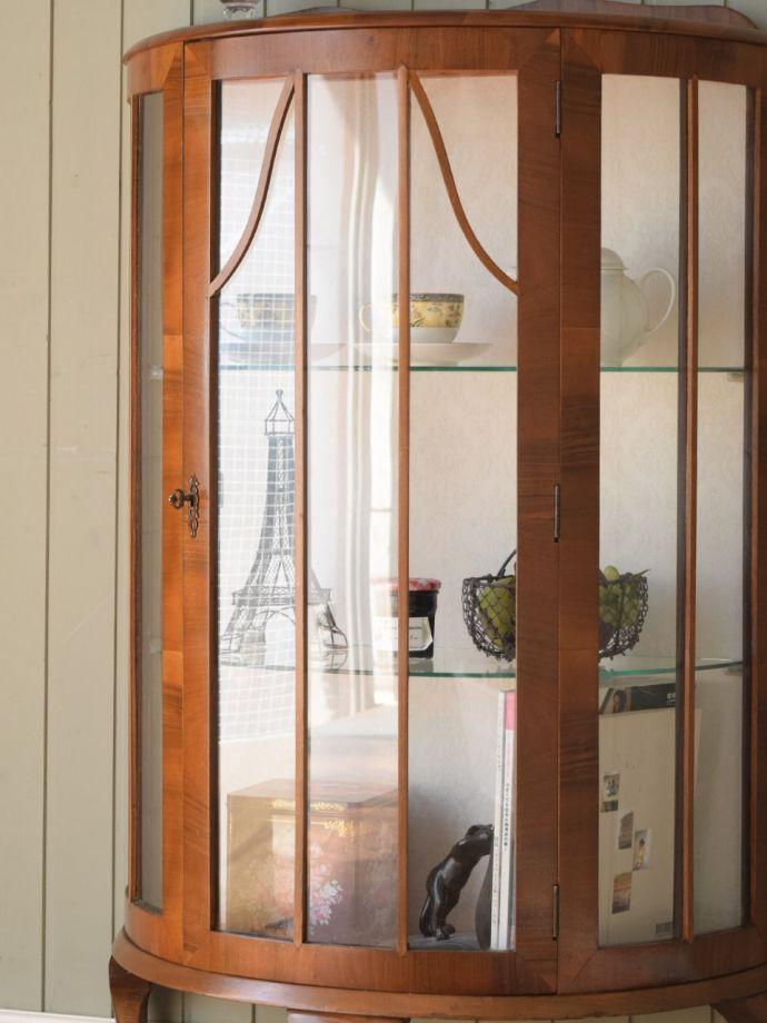 アンティークガラスの扉