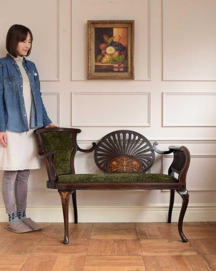 セティ・ソファ・ベンチ アンティーク チェア 象嵌も装飾も施された究極に美しいイギリスアンティークの椅子(セティ)。最上級の美しさで見た人みんなを魅了する椅子アンティークの椅子の中でも特に美しいセティ。(q-326-c)