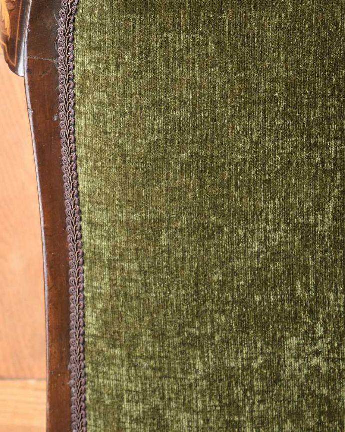 セティ・ソファ・ベンチ アンティーク チェア 象嵌も装飾も施された究極に美しいイギリスアンティークの椅子(セティ)。生地のセレクトもこだわりました優雅なセティの雰囲気そのままに、一番似合う貼り座をじっくり選びました。(q-326-c)