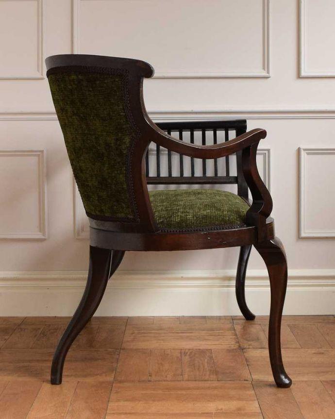 セティ・ソファ・ベンチ アンティーク チェア 象嵌も装飾も施された究極に美しいイギリスアンティークの椅子(セティ)。横から見ても綺麗な装飾が楽しめます。(q-326-c)
