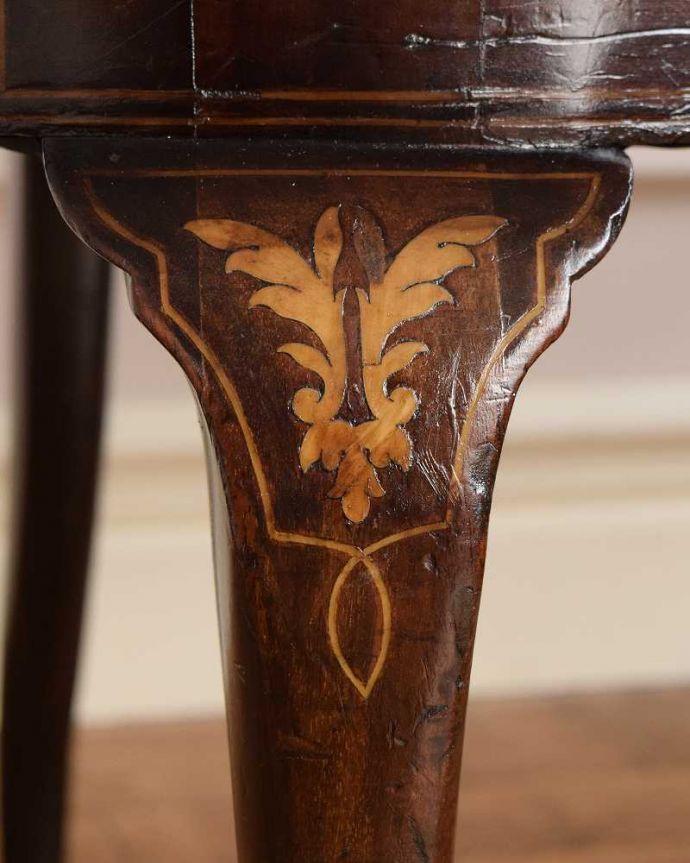 セティ・ソファ・ベンチ アンティーク チェア 象嵌も装飾も施された究極に美しいイギリスアンティークの椅子(セティ)。華やかな象嵌の模様木を組み合わせることで作る象嵌で描かれた模様。(q-326-c)