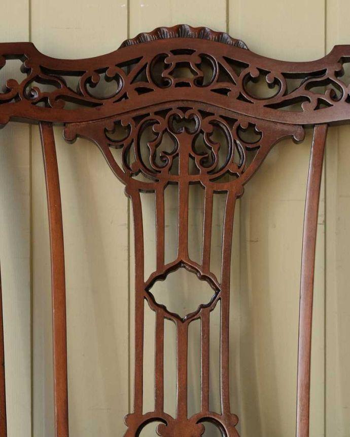 アンティーク チェア 英国輸入の美しい椅子、マホガニー材のアンティークサイドチェア(サロンチェア) 。うっとりするほど細かい細工まだ機械の発達していない時代に、手作業で作られた細かい細工。(q-380-c)