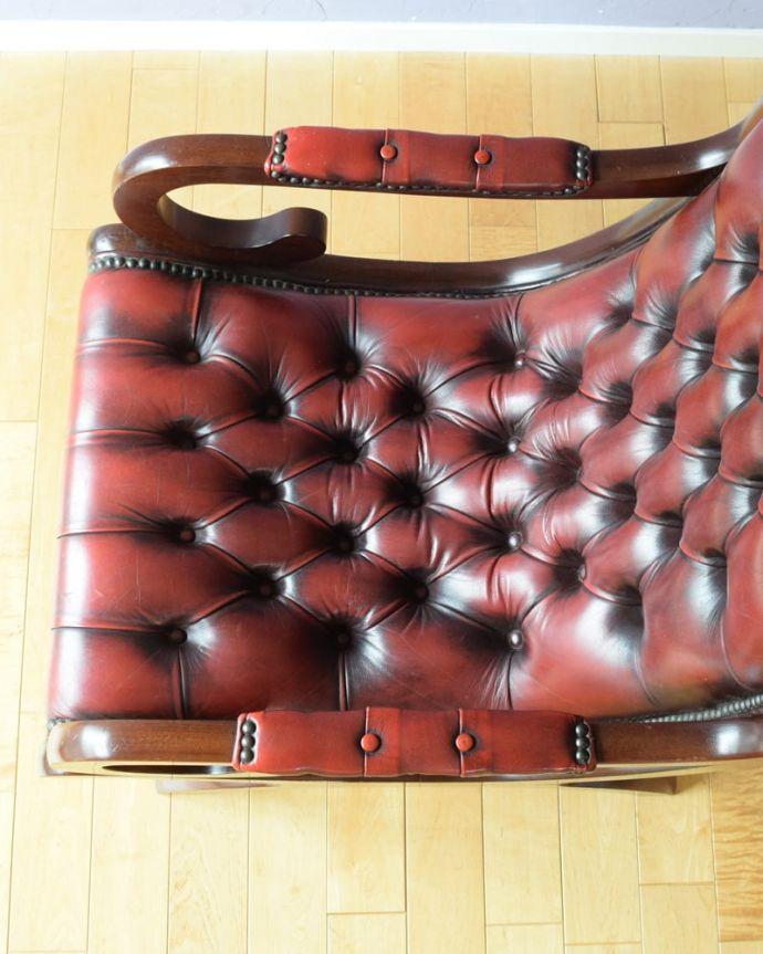 パーソナルチェア アンティークチェア・椅子 (チェスターフィールド)イージーチェアー 革貼りの座面ヴィンテージなのでキズや汚れはありますが、キレイなものを買い付けて来ています。(q-410-c)