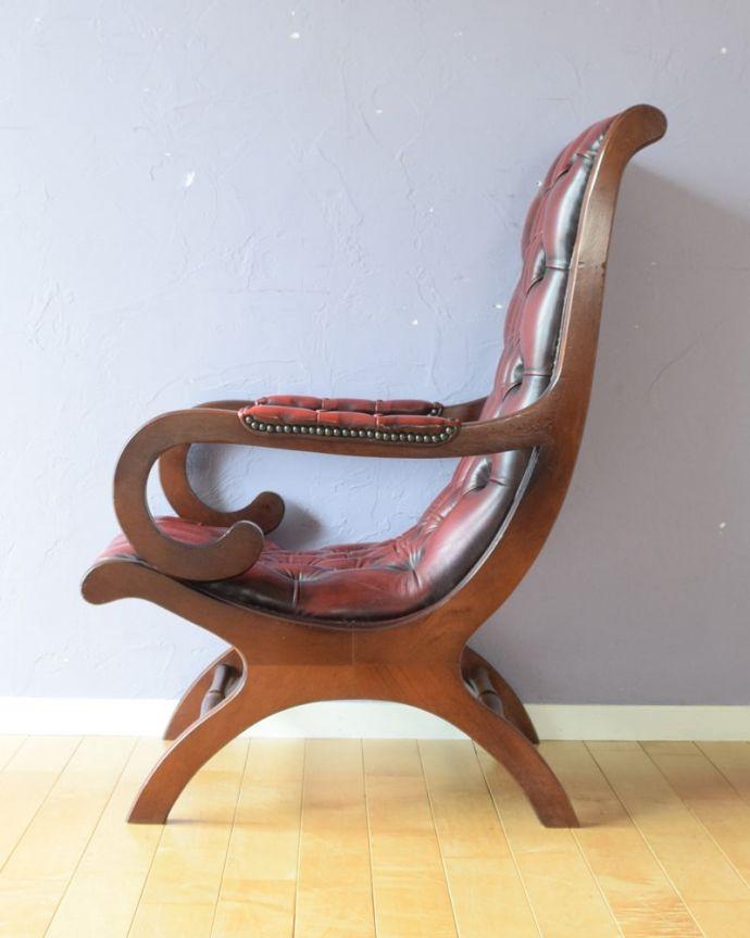 パーソナルチェア アンティークチェア・椅子 (チェスターフィールド)イージーチェアー サイドから見ても絵になっちゃう。(q-410-c)