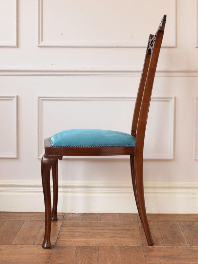アンティークの椅子の側面