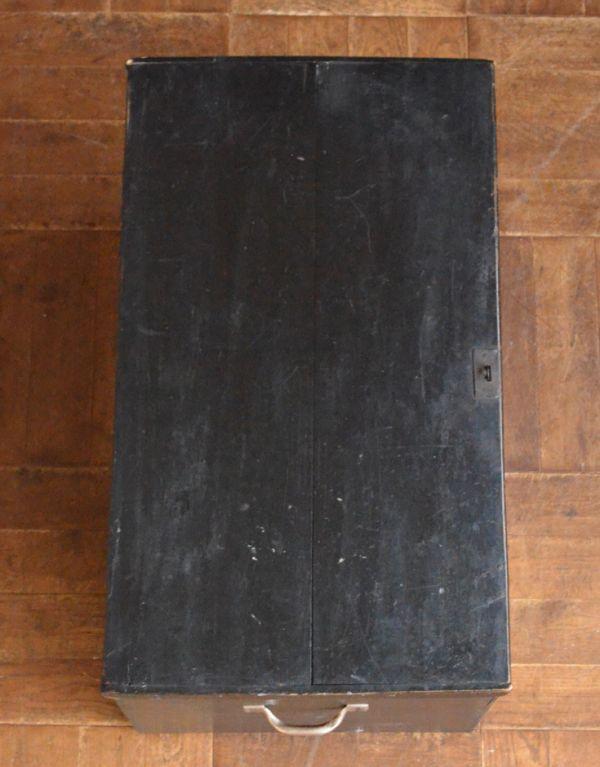 q-582-f アンティークブランケットボックス(ブラック)の天板
