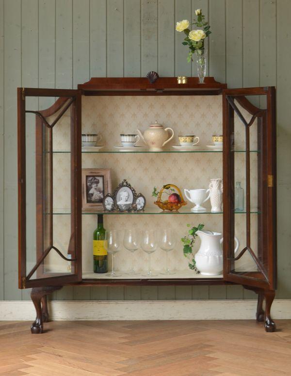 アンティークのキャビネット アンティーク家具 アンティークの英国スタイルの家具、マホガニー材のガラスキャビネット。棚板は2枚です。(q-583-f)