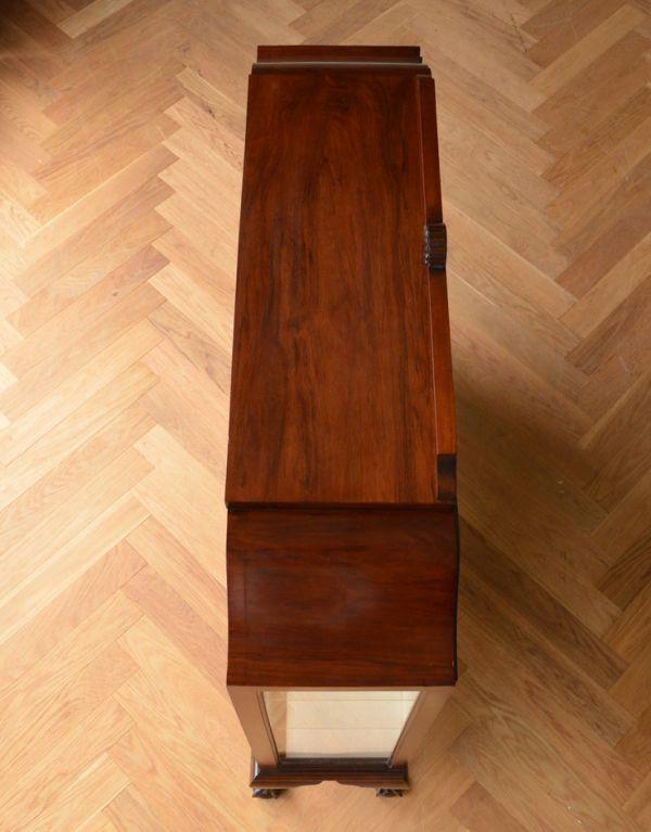 アンティークのキャビネット アンティーク家具 アンティークの英国スタイルの家具、マホガニー材のガラスキャビネット。天板もピカピカにお直ししました。(q-583-f)