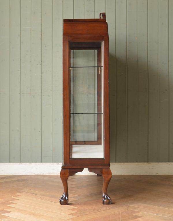 アンティークのキャビネット アンティーク家具 アンティークの英国スタイルの家具、マホガニー材のガラスキャビネット。サイドもガラスなので、どこから見ても美しいです!しっかり作られているので、安心してお使いいただけます。(q-583-f)
