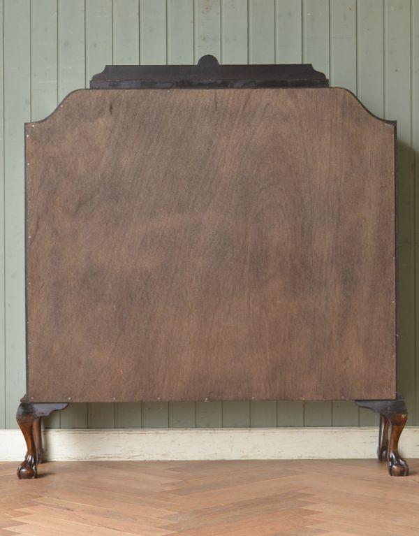 アンティークのキャビネット アンティーク家具 アンティークの英国スタイルの家具、マホガニー材のガラスキャビネット。キチンとメンテナンスしてあるので、裏側もキレイです。(q-583-f)