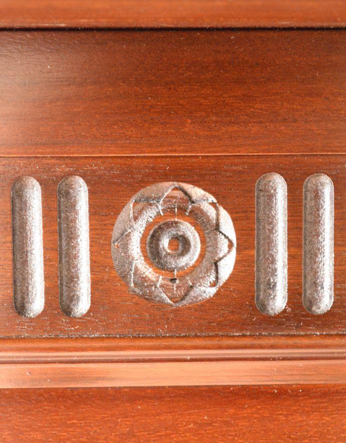 めずらしい家具 アンティーク家具 英国のアンティーク家具、マホガニー材のマントルピース(暖炉枠)。小さなお花の彫りが沢山付いています。(q-622-f)
