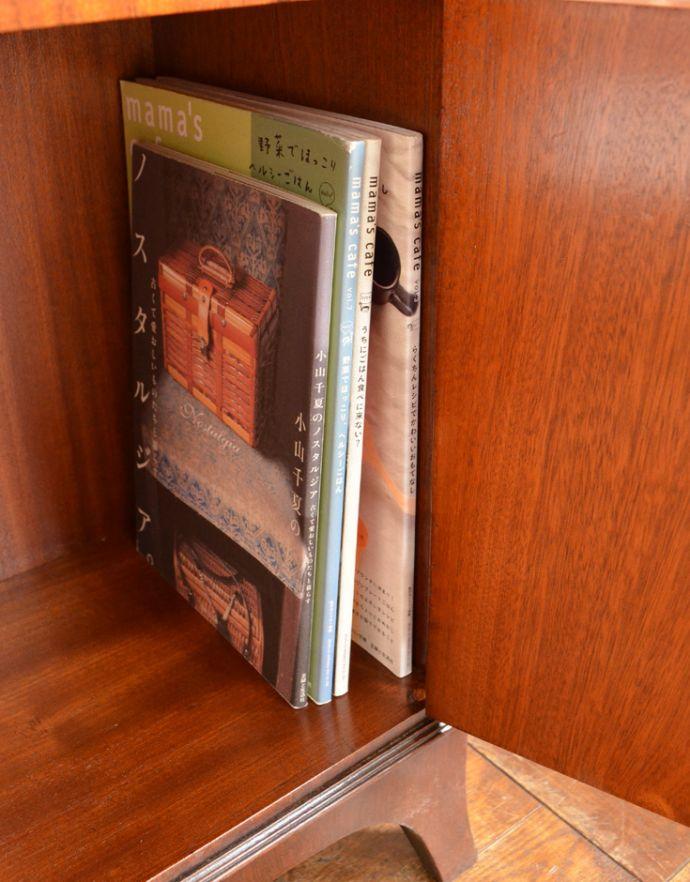 q-519-f アンティークブックケースの雑誌