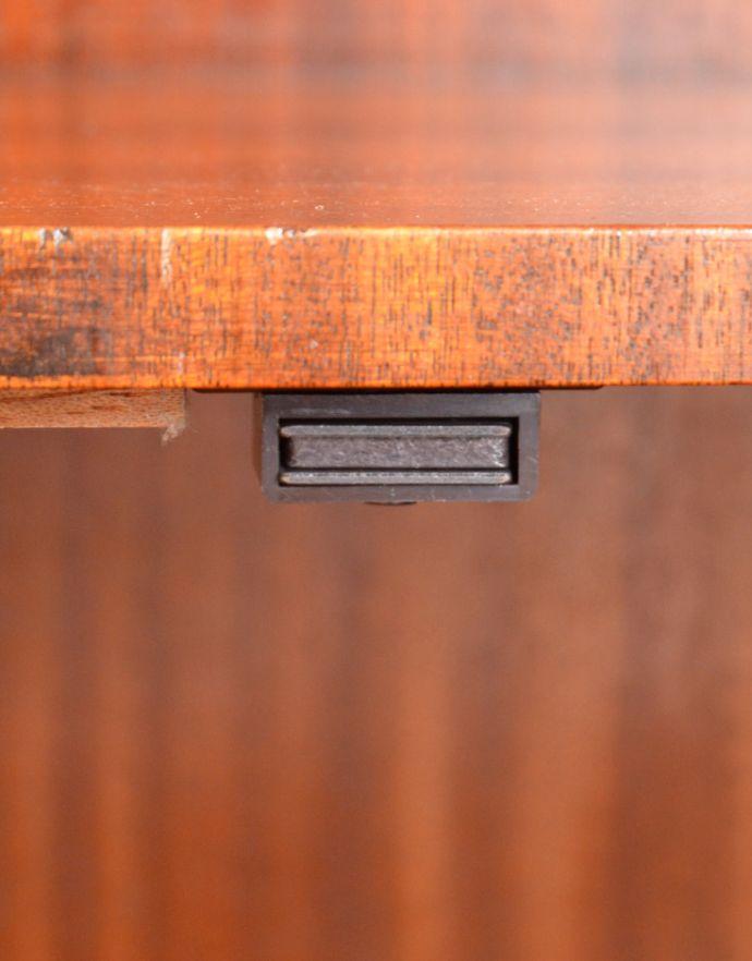 q-519-f アンティークブックケースのマグネット