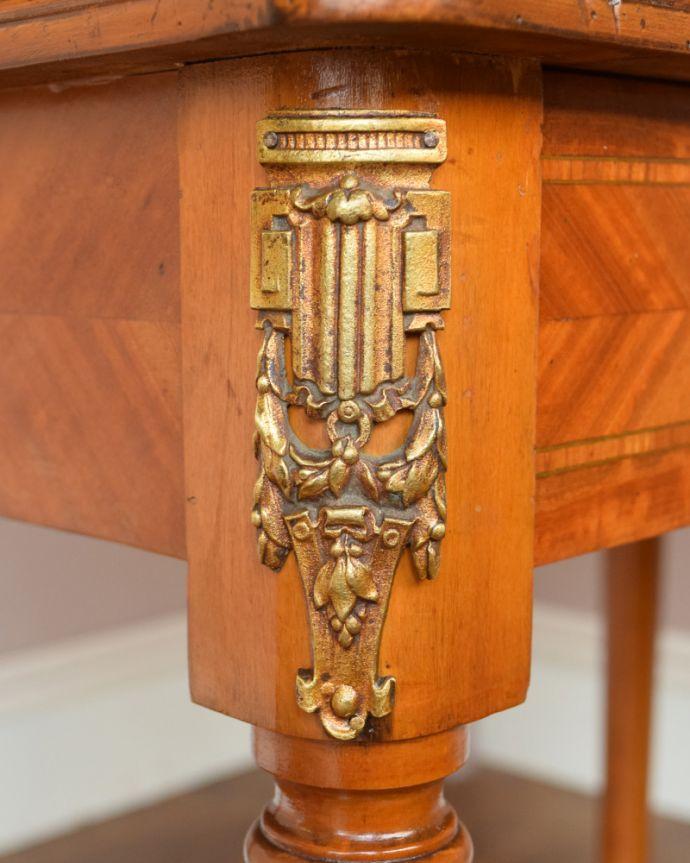 q-735-f アンティークドレッシングテーブルの脚の装飾