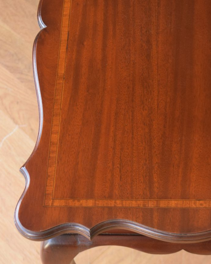 q-830-f アンティークオケージョナルテーブル(ティーテーブル)の角