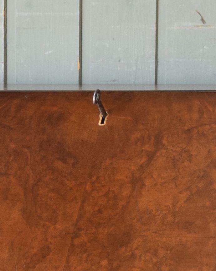 q-846-f アンティークライディングビューロー(デスク)の鍵