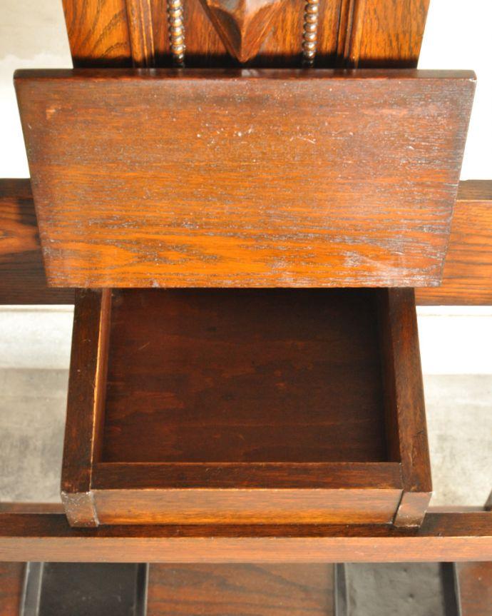 q-782-f アンティークホールスタンドの箱の中