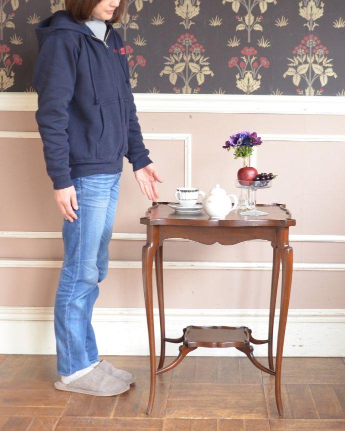 q-884-f アンティーク家具、オケージョナルテーブル、テーブル、サイドテーブル、花台、英国、英国家具、小さいテーブル