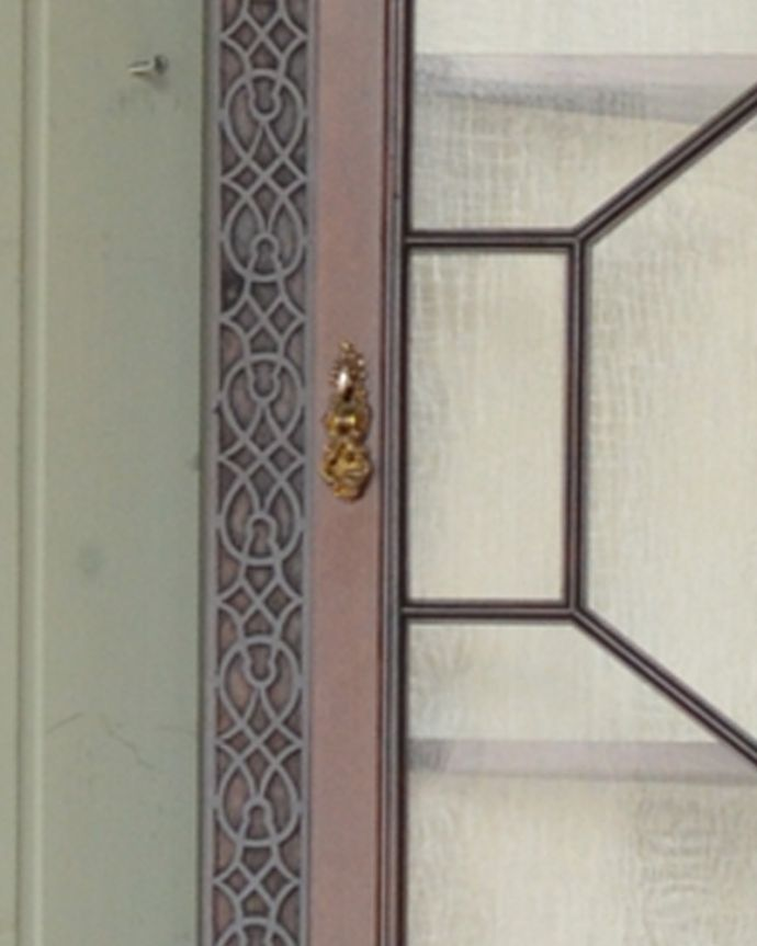 q-928-f アンティークガラスキャビネットの扉の取っ手