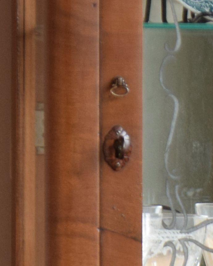 q-934-f アンティークガラスキャビネットの鍵穴